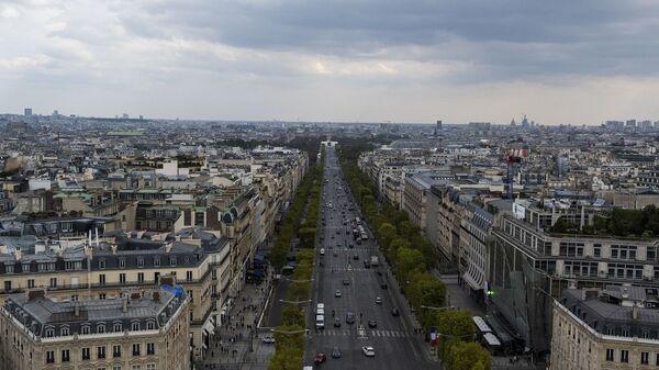 Les Champs-Élysées  - Sputnik France