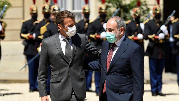Emmanuel Macron et Nikol Pachinian à Paris, le 1 juin 2021 - Sputnik France