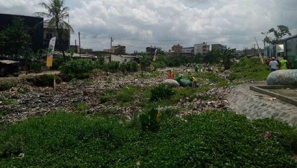 Déchets plastiques au Cameroun - Sputnik France