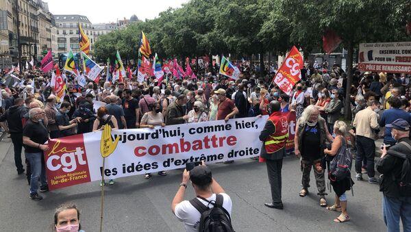 «Une marche des libertés» à l'appel de 110 organisations part de la place de Clichy, 12 juin 2021 - Sputnik France