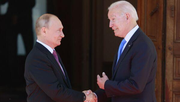 Rencontre de Vladimir Poutine et Joe Biden à Genève  - Sputnik France
