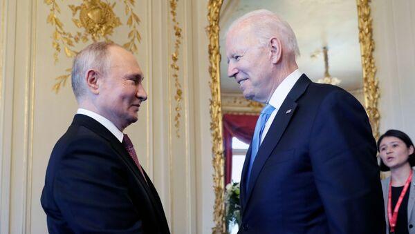 Poutine et Biden lors de leur rencontre à Genève, le16 juin 2021 - Sputnik France