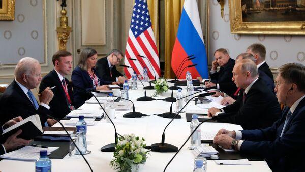 Rencontre de Poutine et Biden à comité élargi, 16 juin 2021 - Sputnik France