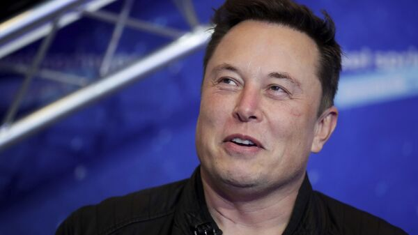 SpaceX owner and Tesla CEO Elon Musk arrives on the red carpet for the Axel Springer media award, in Berlin, Germany, Tuesday, Dec. 1, 2020. - Sputnik France