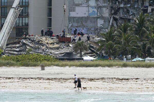 Effondrement d'un immeuble en Floride  - Sputnik France