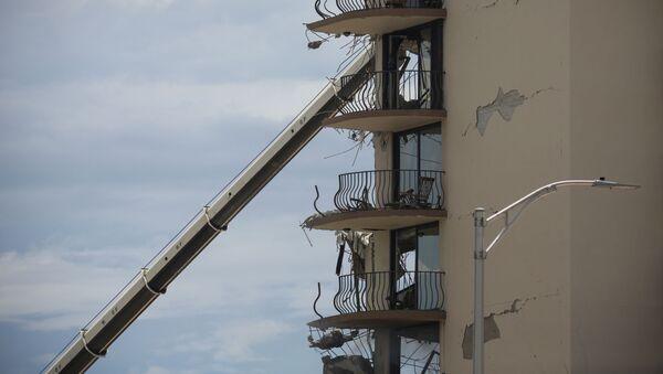 Разрушенная часть здания в Майами  - Sputnik France