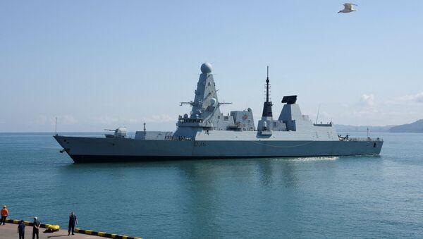 HMS Defender - Sputnik France