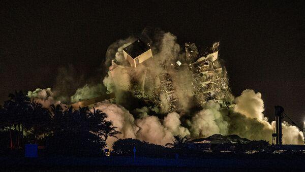 L'immeuble effondré en Floride démoli à l'explosif - Sputnik France