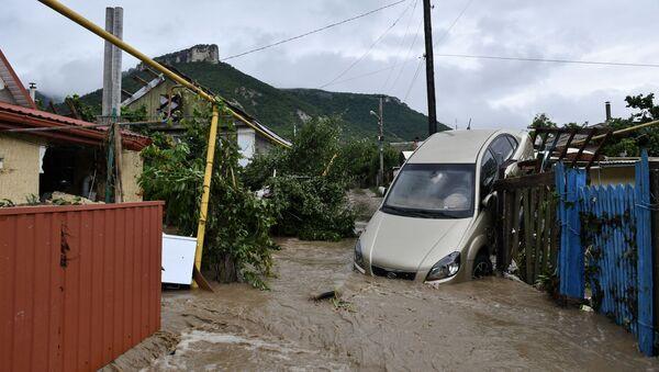 Les conséquences des pluies torrentielles en Crimée  - Sputnik France
