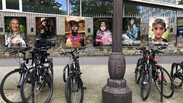 Une exposition photo «Les visages du Monde» d'Alexandre Khimouchine est inaugurée à Paris  - Sputnik France