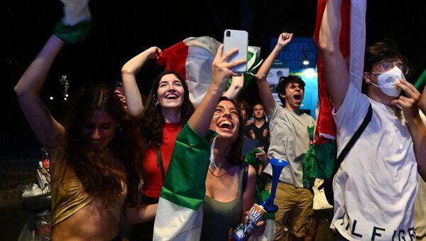 Des supporters à Rome, le 11 juillet 2021, après la finale de l'Euro 2020 - Sputnik France