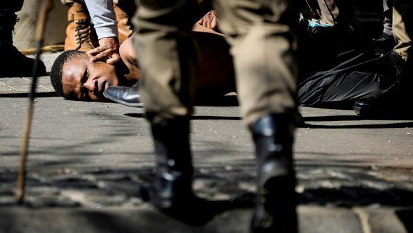 Des policiers sud-africains  pendant les troubles sociaux - Sputnik France