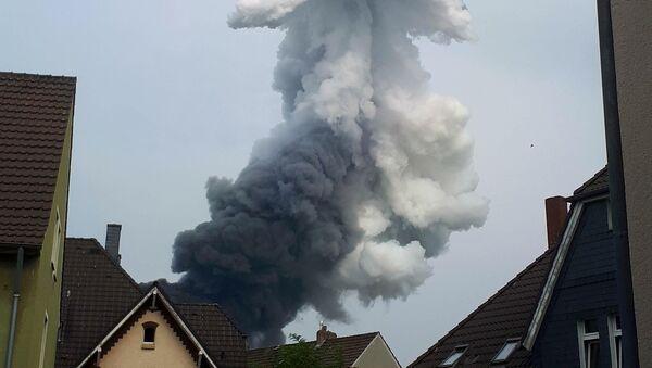 Une importante explosion a secoué le parc chimique Leverkusen situé dans l'ouest de l'Allemagne, le 27 juillet 2021 - Sputnik France