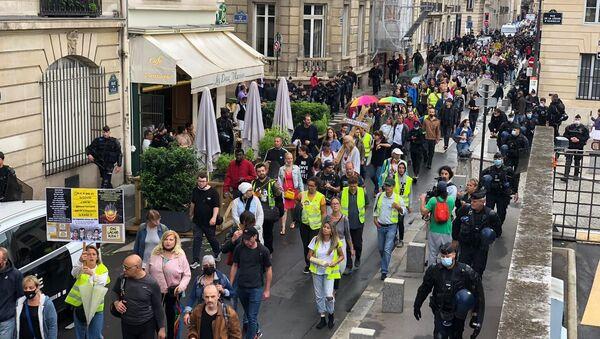 Manifestation contre le pass sanitaire à Paris, 27 juillet 2021 - Sputnik France