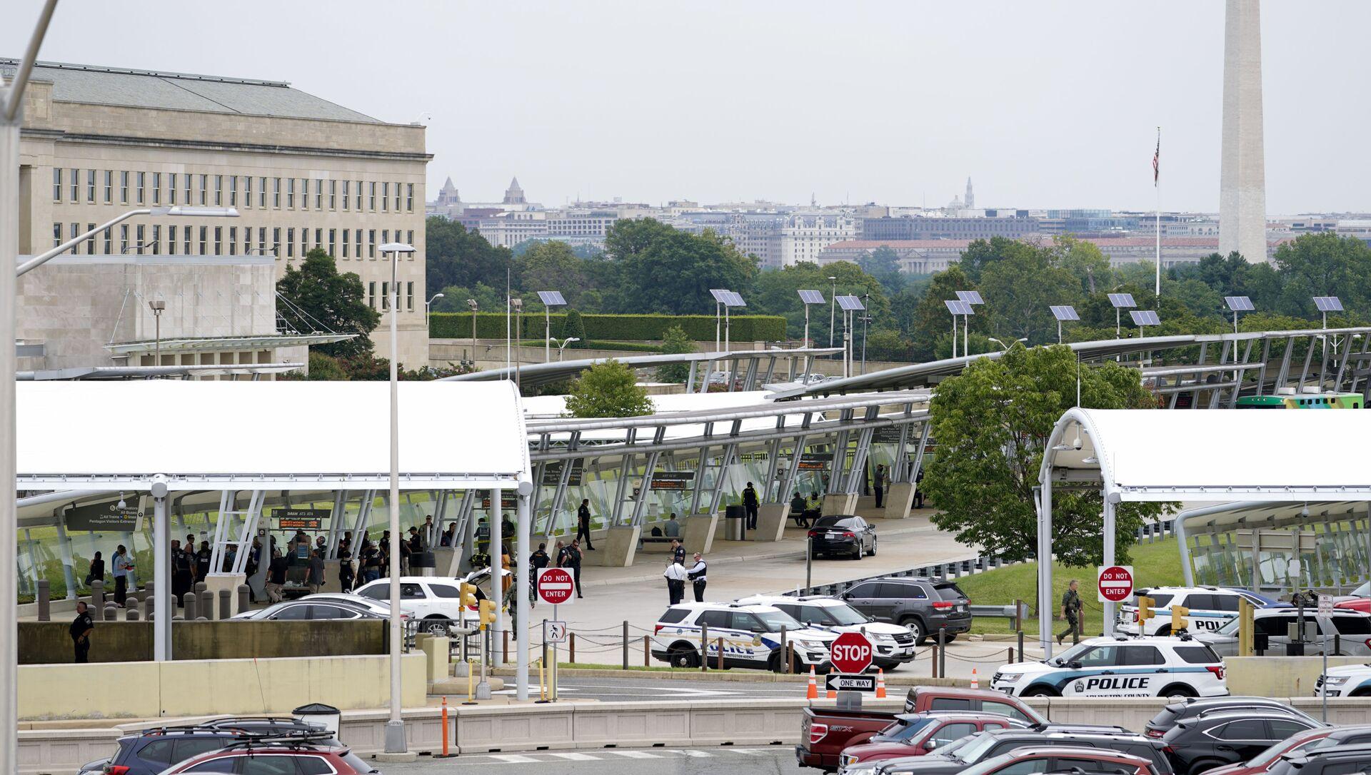 Une fusillade s'est produite près du Pentagone, en Virginie. Le territoire du quartier général du département américain de la Défense a été bouclé, le 3 août 2021 - Sputnik France, 1920, 04.08.2021