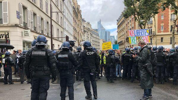 Une manifestation anti-pass sanitaire à Paris - Sputnik France