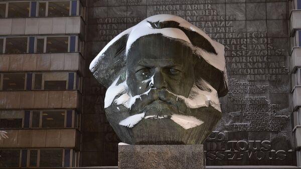Un buste de Karl Marx - Sputnik France