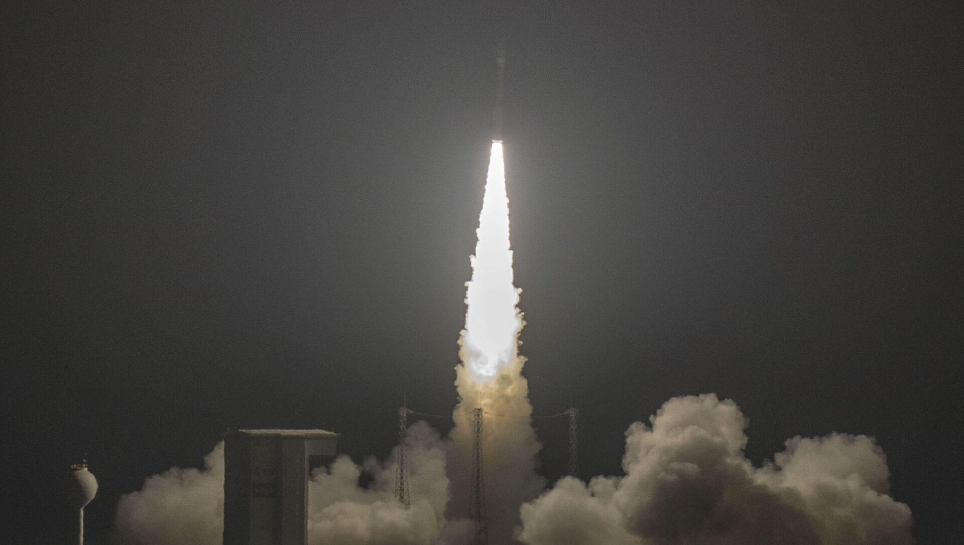 Une fusée Vega décolle de Kourou pour mettre en orbite un satellite d'observation - Sputnik France, 1920, 17.08.2021