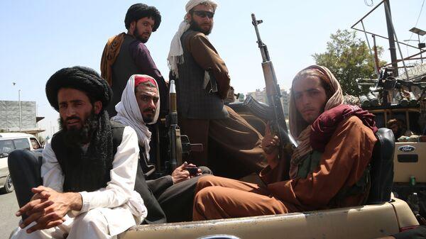 Talibans à Kaboul après la reprise du pouvoir - Sputnik France