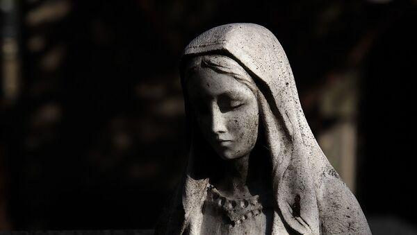 Une statue de la Vierge Marie - Sputnik France