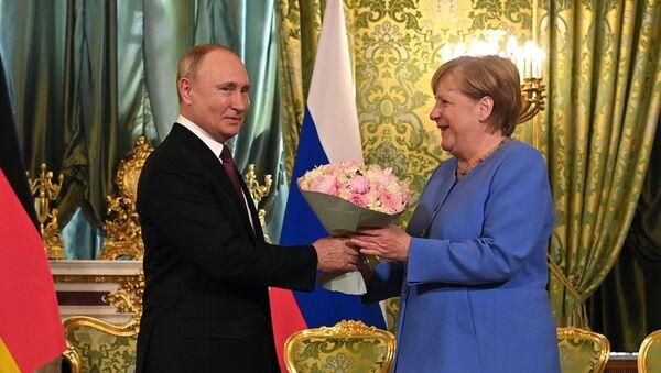 La rencontre Merkel-Poutine - Sputnik France