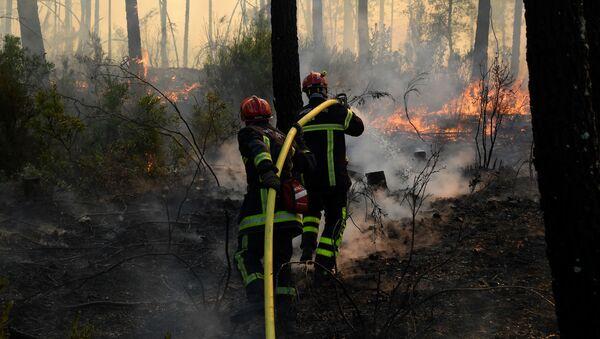 Des pompiers dans le Var, août 2021 - Sputnik France