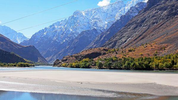 Le fleuve Pamir, à la frontière entre le Tadjikistan et l'Afghanistan - Sputnik France