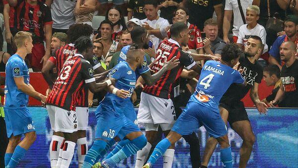 Des incidents ont émaillé le match Nice-Marseille le 22 août 2021 - Sputnik France