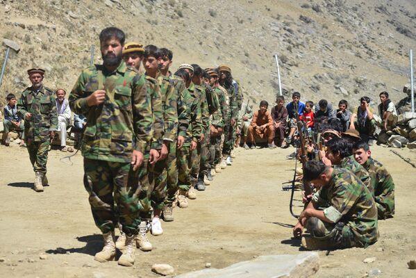 Le mouvement de résistance est dirigé par Ahmed Massoud, fils du héros de l'Afghanistan, Ahmed Chah Massoud, chef de l'Alliance du Nord, surnommé «Lion du Panchir». Il a été rejoint par le vice-Président Amrullah Saleh, qui s'est déclaré chef de l'État après que le Président Ashraf Ghani a fui le pays. - Sputnik France