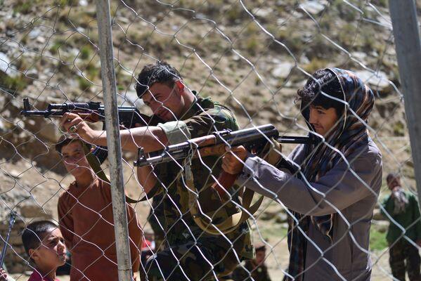 La semaine dernière, les forces de l'opposition ont chassé les talibans* de trois districts de la province de Baghlan, située au nord-ouest du Panchir. - Sputnik France