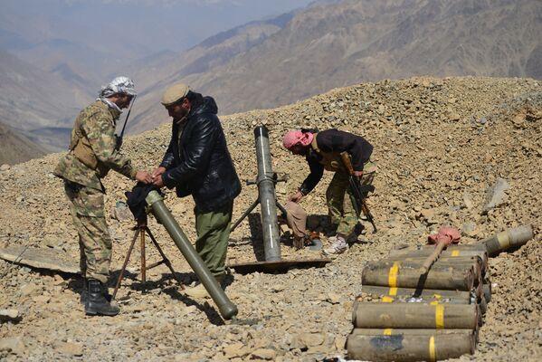«Nous espérons que d'autres pays –nos voisins, les puissances régionales– interviendront et feront pression sur les talibans* pour qu'ils négocient», a déclaré Massoud. - Sputnik France
