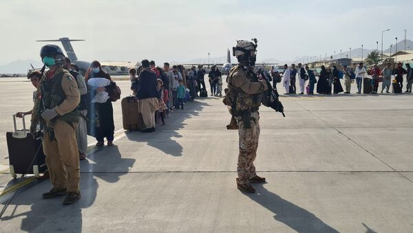 Des Afghans évacués de Kaboul - Sputnik France