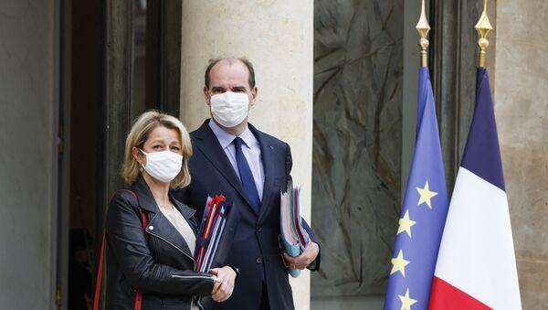 La ministre de la Transition écologique Barbara Pompili et le Premier ministre Jean Castex, le 23 Juin 2021 (Ludovic MARIN / AFP) - Sputnik France