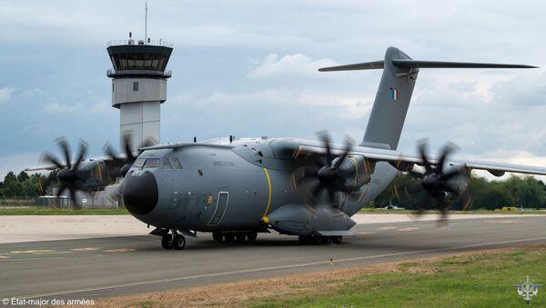 Un A400M de l'armée française en provenance de Kaboul arrive à Paris - Sputnik France