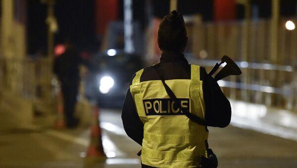Un policier français - Sputnik France