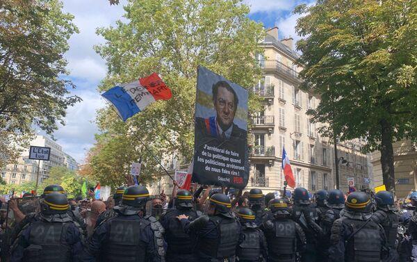Pass sanitaire: nouveau samedi de mobilisation à Paris - Sputnik France