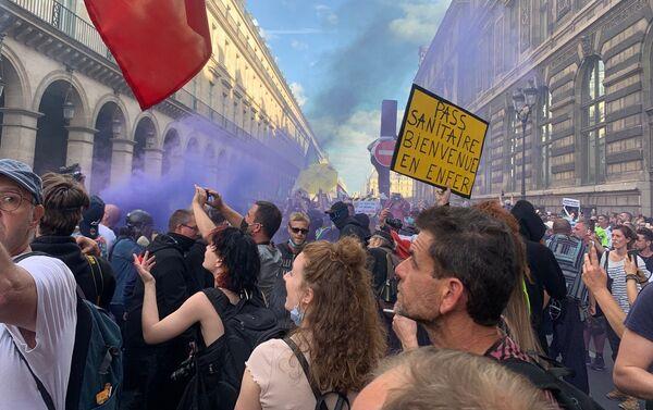 Neuvième week-end de mobilisation contre le pass sanitaire à Paris, le 11 septembre 2021 - Sputnik France