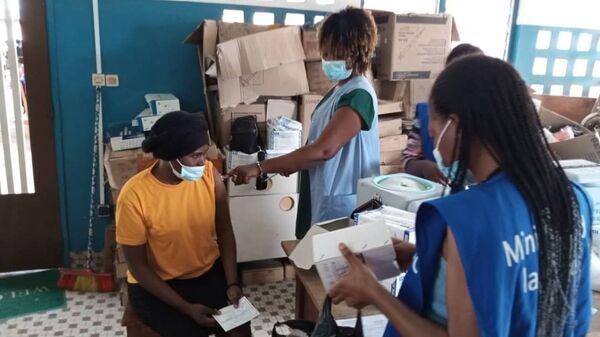 Opération de vaccination au centre de santé d'Adakpamé - Sputnik France