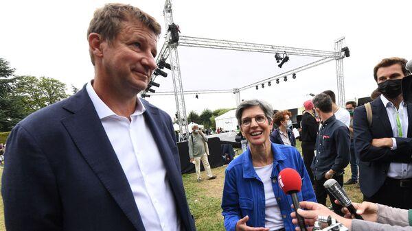 Yannick Jadot et Sandrine Rousseau, placés en tête du premier tour de la primaire écologiste - Sputnik France