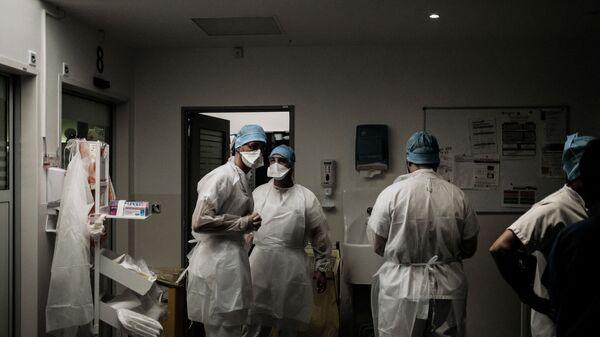 Des soignants dans un hôpital français - Sputnik France