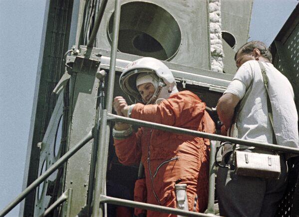 Le 16 juin 1963, Valentina Terechkova devient la première femme à effectuer un vol dans l'espace. Elle passera près de trois jours en orbite. - Sputnik France