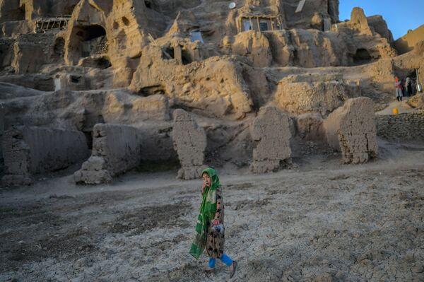 La mort du prophète Mahomet à Médine a mis en mouvement les forces qui ont rapidement changé la culture et la religion de l'Afghanistan. Les premiers conquérants musulmans ont envahi l'Afghanistan en 645. Aux IXe-Xe siècles, la population de cette région s'est convertie à l'islam. - Sputnik France