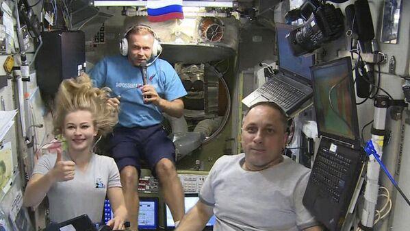 La toute première équipe de tournage spatial de l'histoire passera douze jours en orbite et reviendra sur Terre le 17 octobre. - Sputnik France