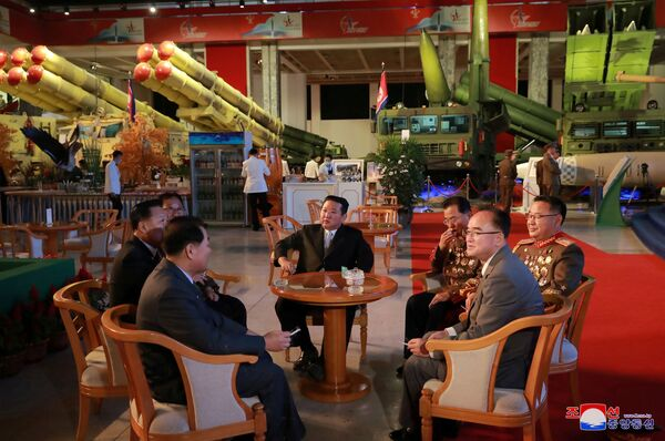 L'exposition, présentant les dernières réalisations de l'industrie de la défense nord-coréenne, est destinée à montrer aux citoyens la puissance militaire de leur pays. - Sputnik France