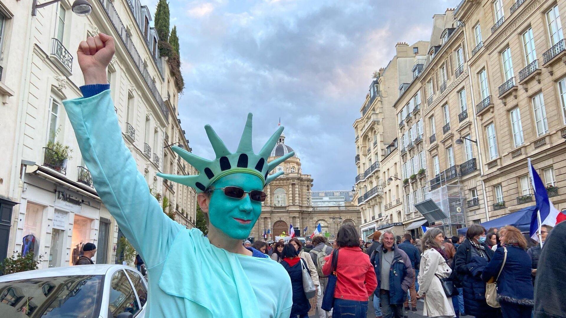 Manifestation devant le Sénat contre la vaccination obligatoire, 12 octobre 2021 - Sputnik France, 1920, 12.10.2021