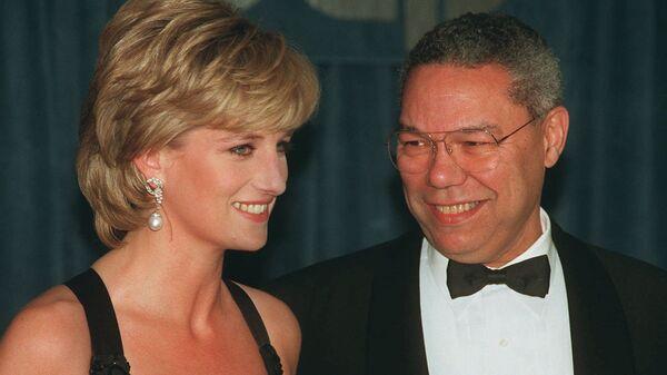 Принцесса Диана и отставной генерал Колин Пауэлл во время беседы в Нью-Йорке, 1995 год  - Sputnik France
