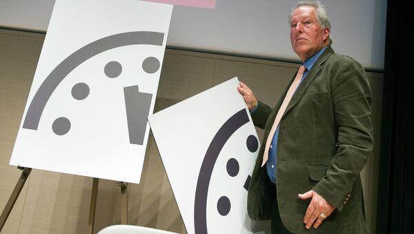 Apocalypse: l'horloge indique minuit moins trois (scientifiques) - Sputnik France