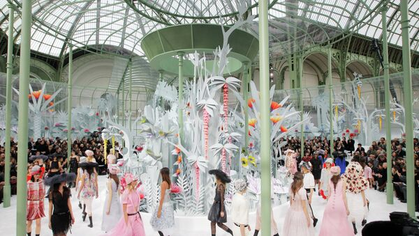 Défilé de haute couture de la maison Chanel à Paris - Sputnik France