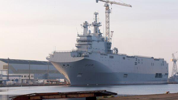 The Vladivostok warship docks on the port of Saint-Nazaire, western France, Friday, Sept.5, 2014 - Sputnik France