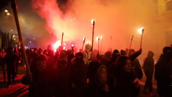Kiev: retraite aux flambeaux nationaliste - Sputnik France